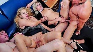 REIFE SWINGER - Wild mature German swingers fuck hard in dirty foursome