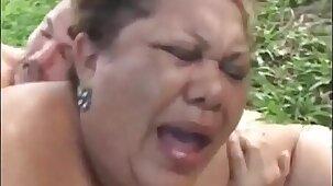 Abuela gorda sexo al aire libre - MuyGordas.com