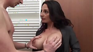 Men prefer to hang out with busty women # 12
